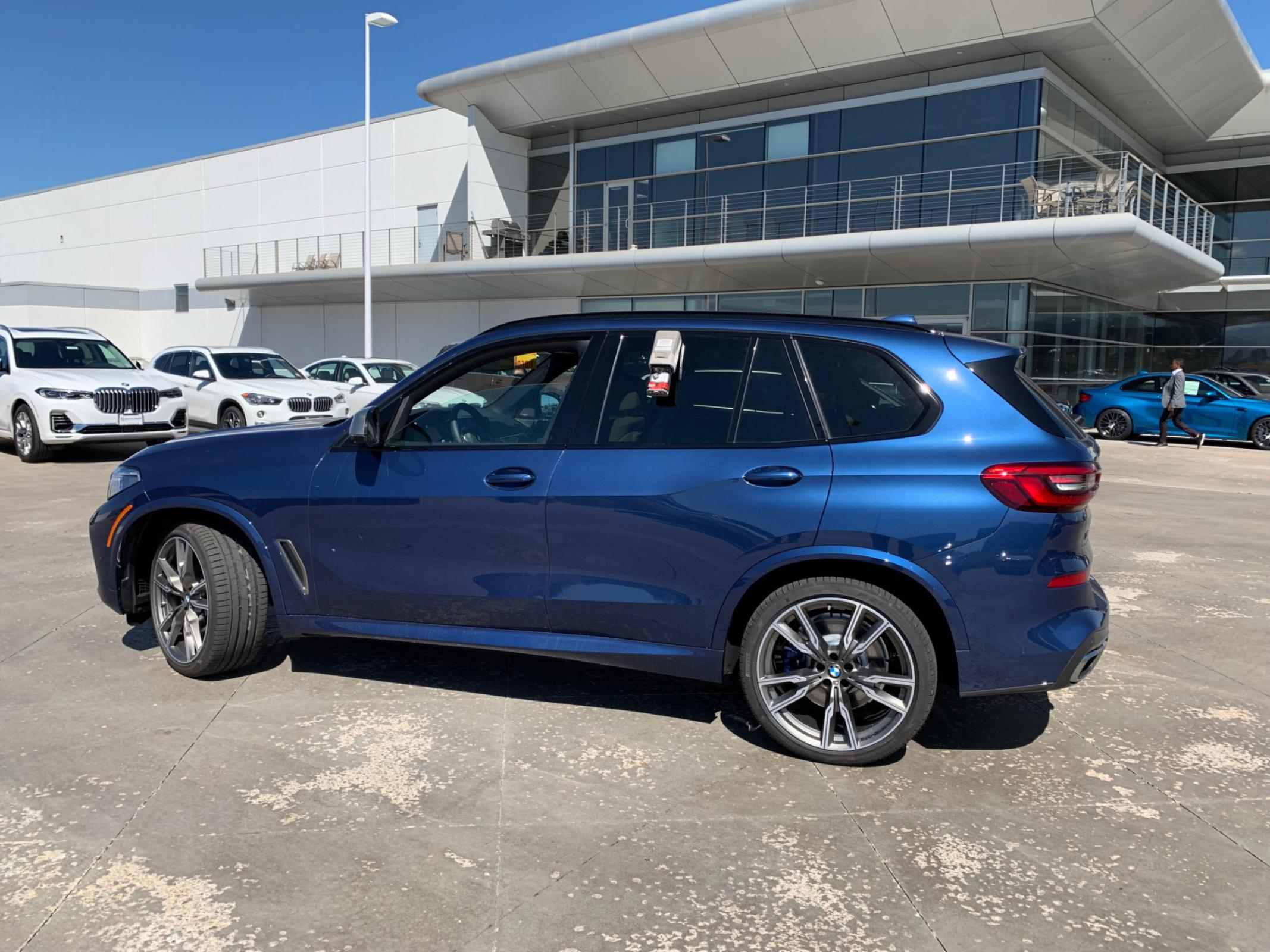 US M50i with Roof Rails - They DO Exist!! - BMW X5 Forum (G05)