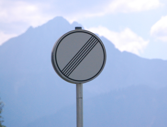 Name:  autobahn-end-of-restrictions-sign.jpg Views: 6815 Size:  83.5 KB