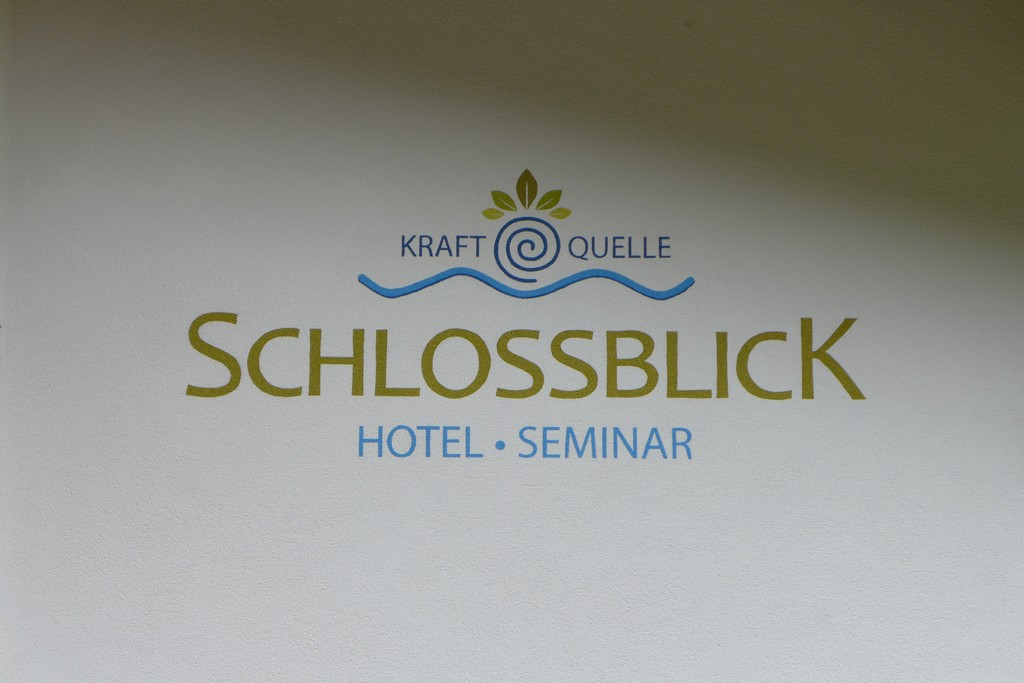 Name:  schloss Blick Hotel Kufstein   P1000990.jpg Views: 3041 Size:  144.2 KB