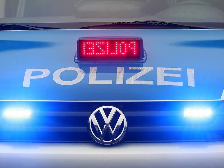 Name:  polizei blaulicht.jpg Views: 3611 Size:  37.3 KB