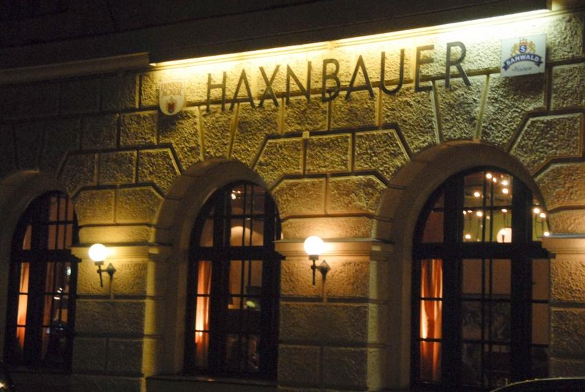 Name:  Haxnbauer im Scholastikahaus .jpg Views: 2854 Size:  412.3 KB