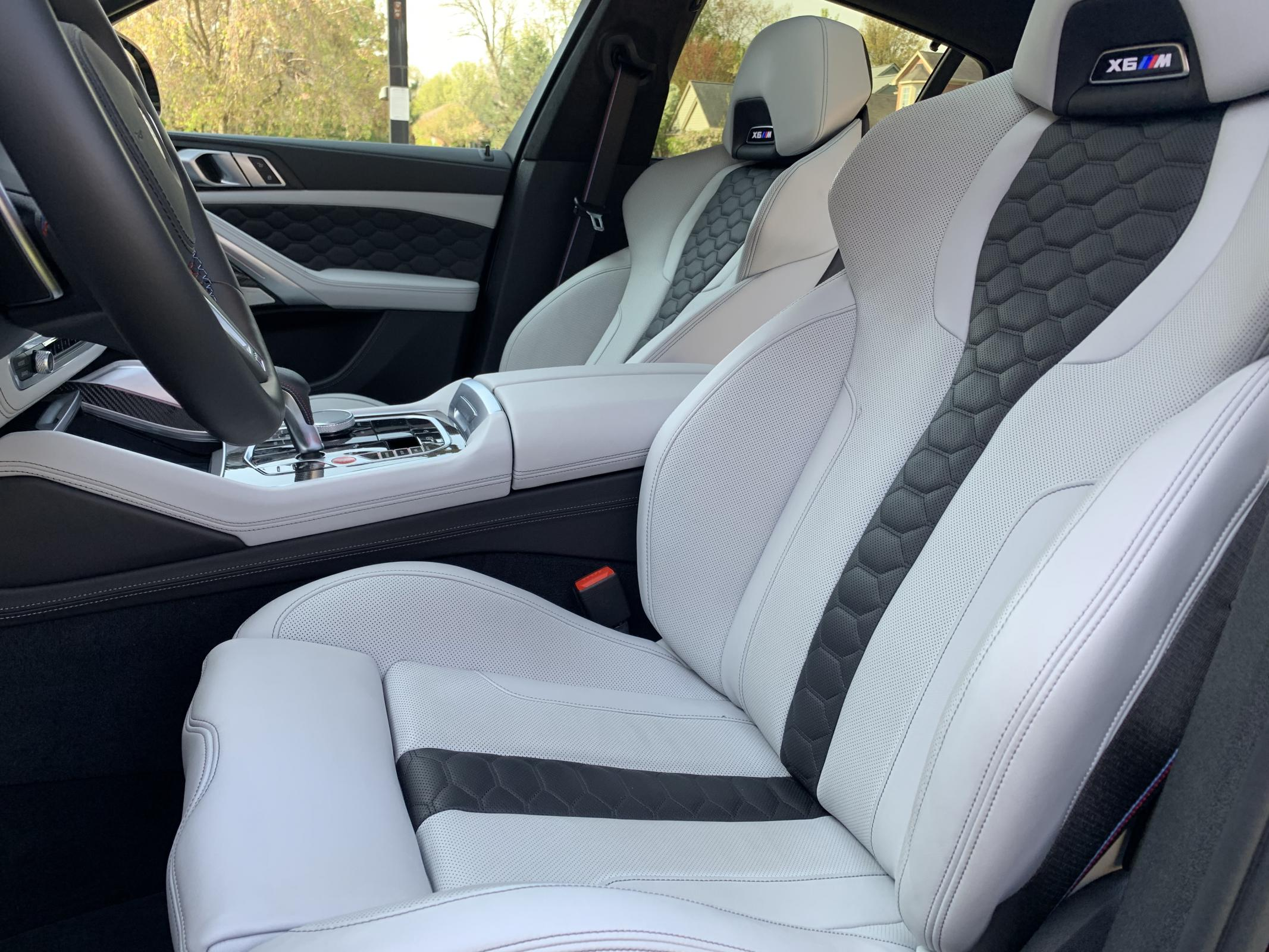 Name:  01 BMW X6 M Competition front seats 2.jpg Views: 3605 Size:  421.3 KB
