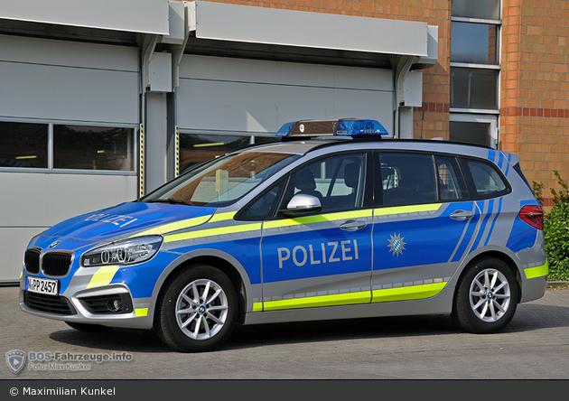 Name:  polizei  399140-large.jpg Views: 319 Size:  366.3 KB