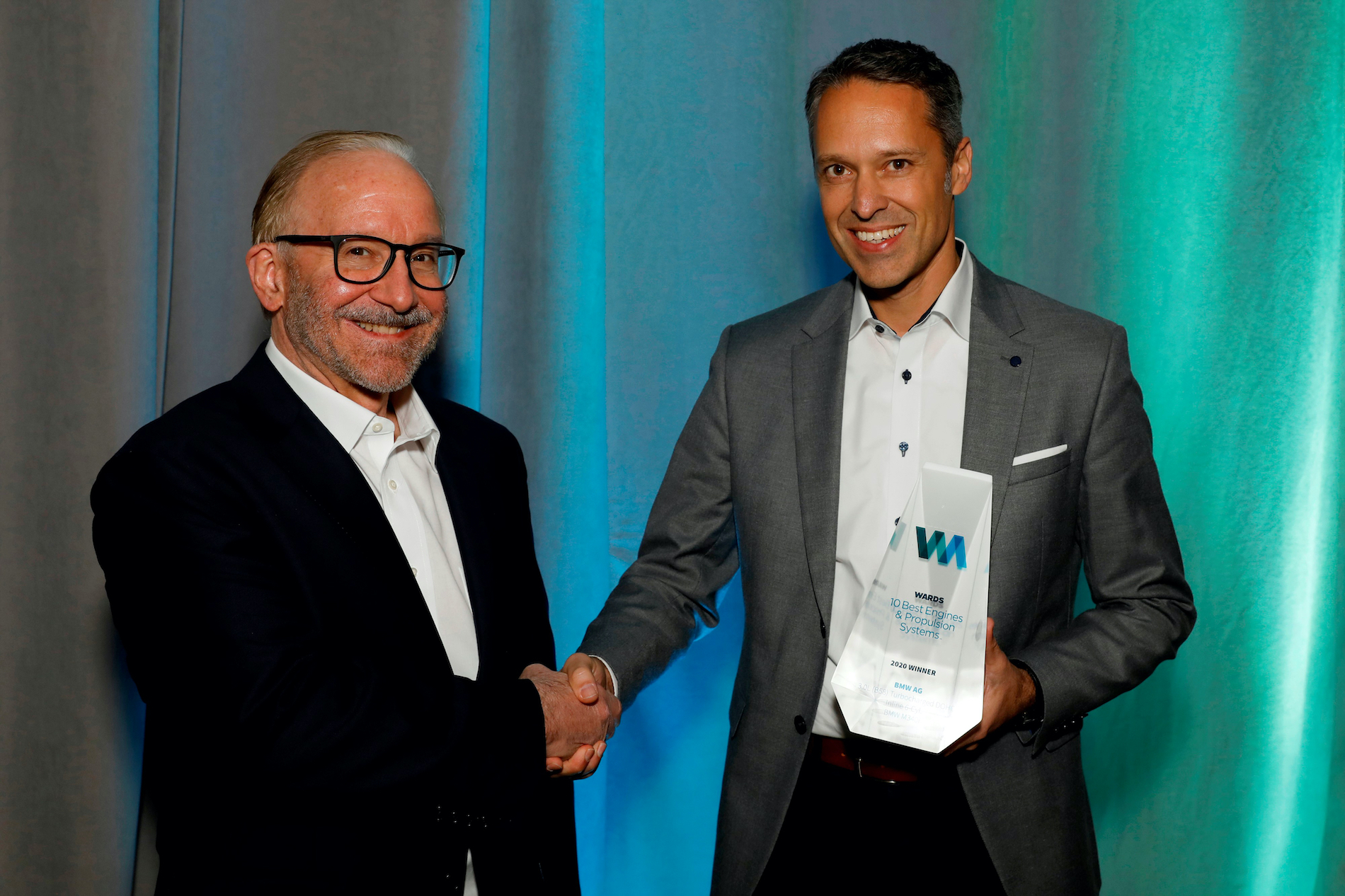 Name:  Ralph_Mahler_Accepting_2020_Wards_10_Best_Engines_and_Powertrain_Award.jpg Views: 11649 Size:  1.99 MB
